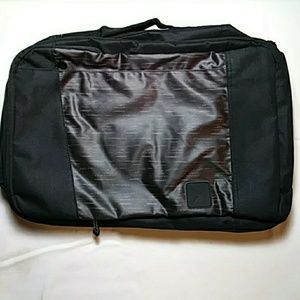 Hynes Eagle convertible laptop/back pack bag